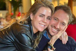 Amelia Bono y Manuel Martos posan junto a sus hijos tras anunciar su separación
