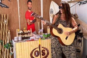 Anabel Pantoja celebra por todo lo alto la vuelta de Omar Sánchez a Canarias