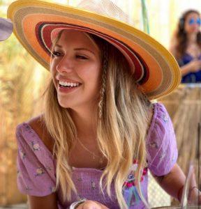Anita Matamoros luce por su cumpleaños el look que no puede faltar en tu armario este verano