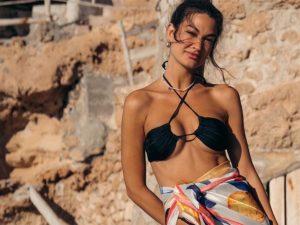 Estela Grande presume de cuerpo en Ibiza tras presentar a su nuevo novio y firmar el divorcio de Diego Matamoros