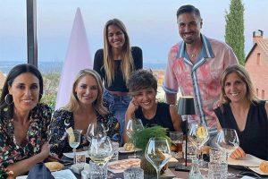 Alba Carrillo se reúne con sus compañeros del 'Fresh', pero llaman la atención algunas ausencias