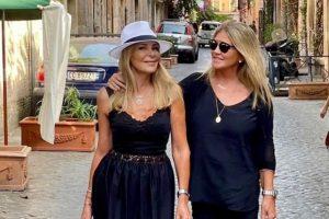 Ana Obregón vuelve a sonreír gracias a su terapéutica escapada a Roma junto a Susana Uribarri