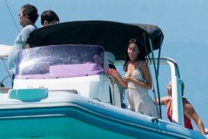 Aitana, muy cómplice con Ana Duato durante sus vacaciones con Miguel Bernardeau