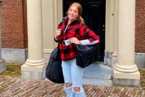 Alexia de Holanda se va al internado con Leonor con pantalones rotos y guitarra en mano