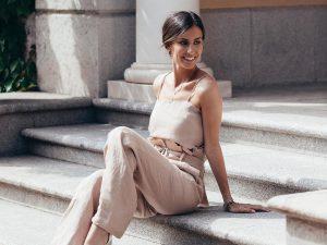 Ana Boyer tiene el vestido más cómodo para una tarde campestre