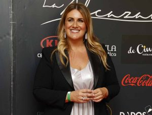 Carlota Corredera recibe un premio en plena tormenta en 'Sálvame'