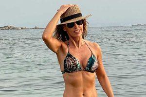 Emma García se despide de las vacaciones con su foto más romántica: «Mi compañero de vida. Mi refugio»