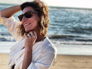 Eugenia Osborne, feliz en las playas de Cádiz tras romper su matrimonio con Juan Melgarejo
