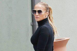 Jennifer Lopez da el tutorial definitivo para tener la piel tan resplandeciente como ella