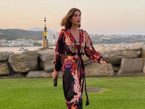 Lourdes Montes tiene el vestido de flores más relajado y acertado ¡y es de Zara!
