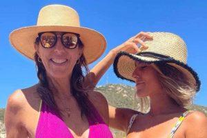 Días de sol y playa para Paz Padilla y su hija Anna Ferrer: todas las fotos de su escapada a Cádiz