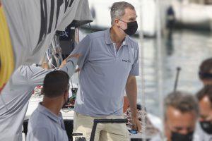 El Rey Felipe ejerce de estrella del Real Club Náutico de Palma