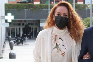 Siete funcionarios denunciados por mirar el expediente de Rocío Carrasco