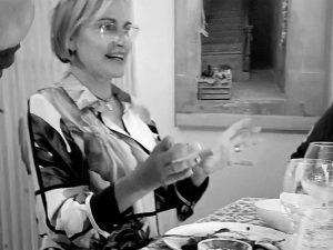 Ainhoa Arteta vuelve a Madrid y disfruta de una cena entre amigos