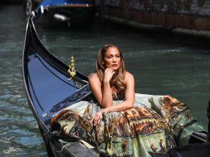 Jennifer Lopez, la más sexy y elegante del Festival de Cine de Venecia a sus 52 años