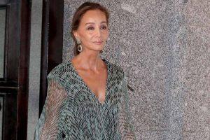 Isabel Preysler da otra lección de estilo en la graduación de Tamara Falcó