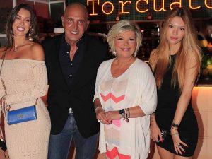 Terelu Campos celebra su cumpleaños entre amigos, pero lejos de su madre, María Teresa Campos, y su hermana, Carmen Borrego