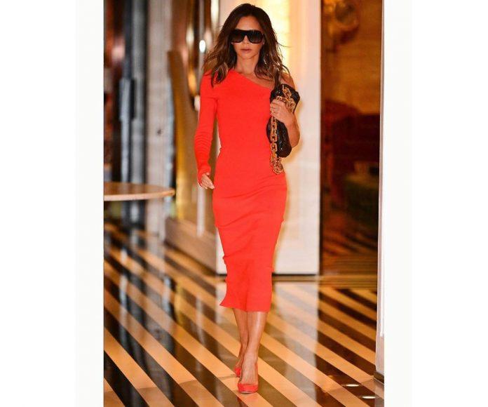 Victoria Beckham Carmen Lomana vestido rojo