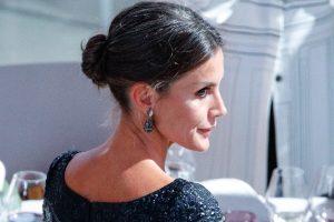 Letizia da una segunda vida a un vestidazo de los Princesa de Asturias para ir a los Premios Planeta