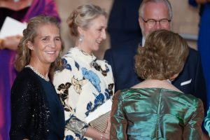 La Reina Sofía, Elena de Borbón y Beatriz de York, las primeras invitadas en llegar a la boda del Príncipe Philippos y Nina Flohr