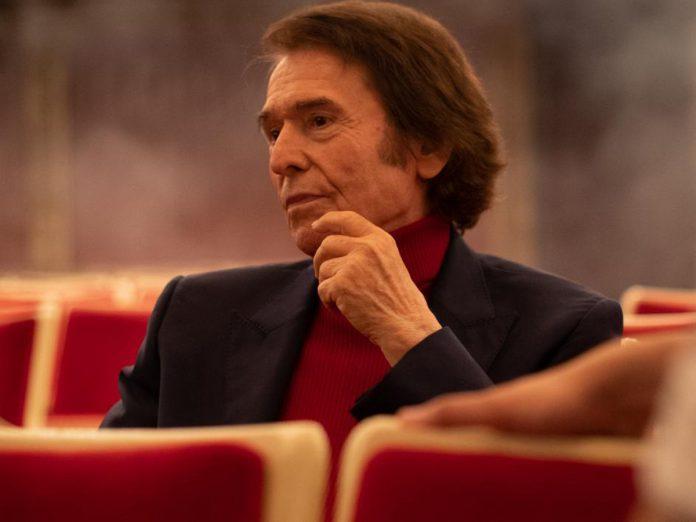 Raphael presenta su serie 'Raphaelismo'